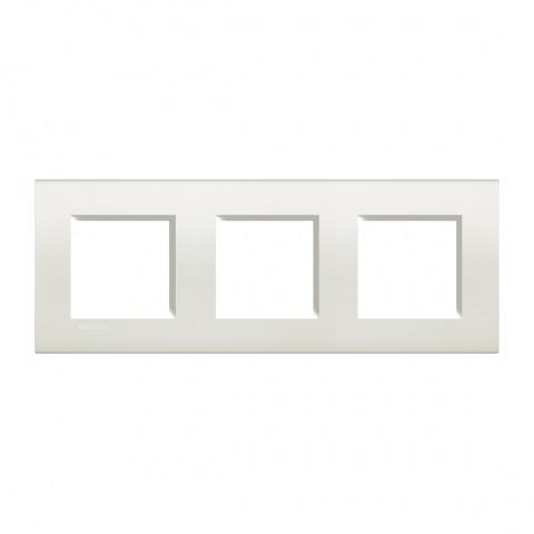 pvс тройна рамка, white, bticino, livinglight, lna4802m3bi