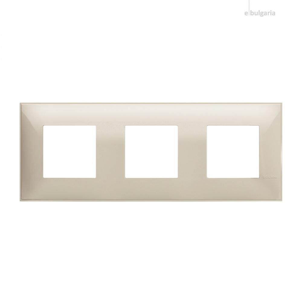 PVC тройна рамка, cream, bticino, classia, r4802m3cr