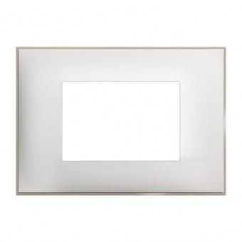PVC тримодулна рамка, white satin, bticino, classia, r4803ws