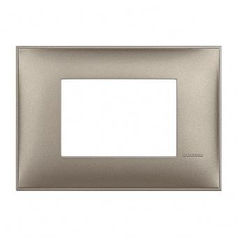 PVC тримодулна рамка, titanium metal, bticino, classia, r4803tm