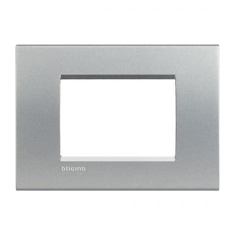 pvс тримодулна рамка, tech, bticino, livinglight, lna4803te