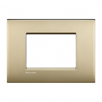 метална тримодулна рамка, gold mat, bticino, livinglight air, lnc4803of